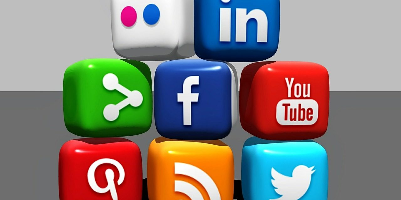 Five Ways Print Can Successfully Integrate With Social Media
