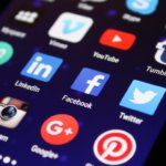 4 reasons to put your social media handles on your business card
