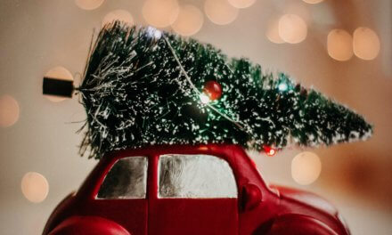 3 reasons every small business should send Christmas cards in 2021